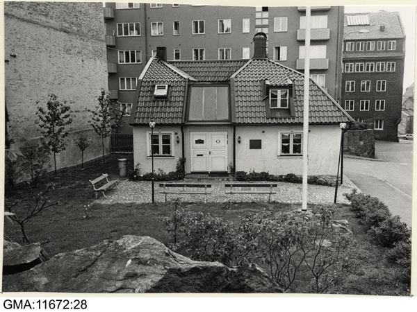 GMA-11672-28, 1976