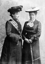 Selma och Sophie år 1894.