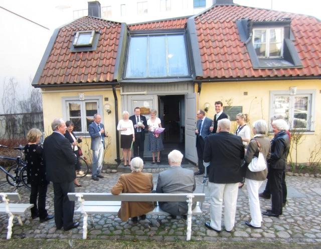 Samling på Jaktslottets gård inför utdelning av Kulturpriset för 2013.