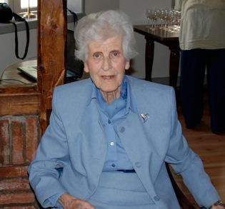 Inga-Britt Fredholm, hedersledamot Kulturminnesföreningen Otterhällans hedersledamot Inga-Britt Fredholm på Jaktslottet. Foto: Lisa Björklund.