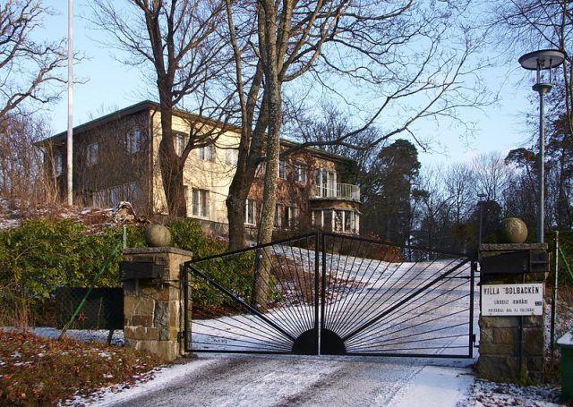 Villa Solbacken 2009, Holger Ellgaard, Wikimedia Commons